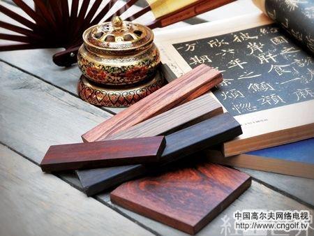 闻香识红木:靠气味辨别木材种类的诀窍